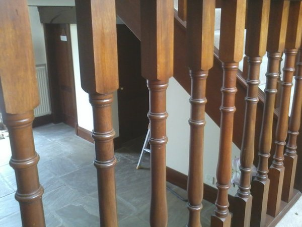 bespoke staircase and spindles fitted2