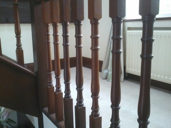 bespoke staircase and spindles fitted4