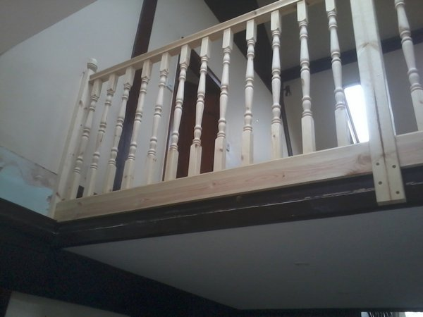 bespoke staircase and spindles fitted9